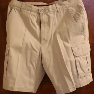 Other - Dockers Mens Cargo Shorts Size 34 Off-White Relax